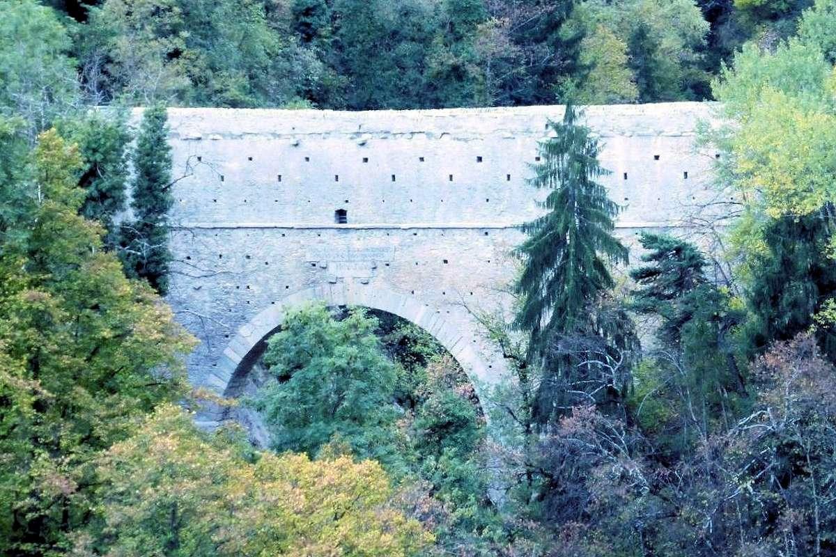 Pont d'Aël Été